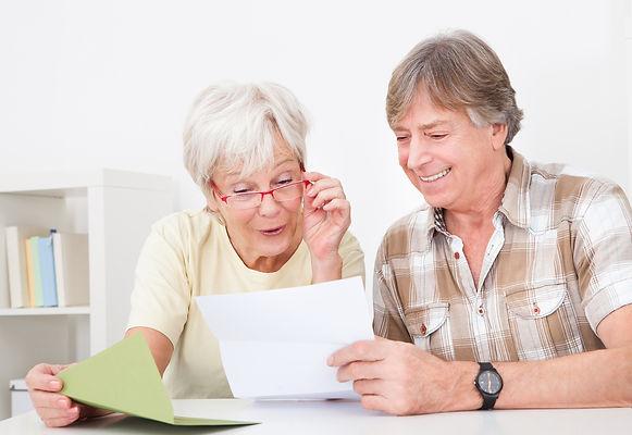 письмо, читать письмо, пожилые, бабушка и дедушка