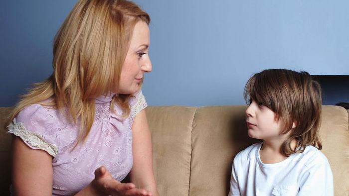 мама, сын, беседа, беседа с ребенком, провинившийся