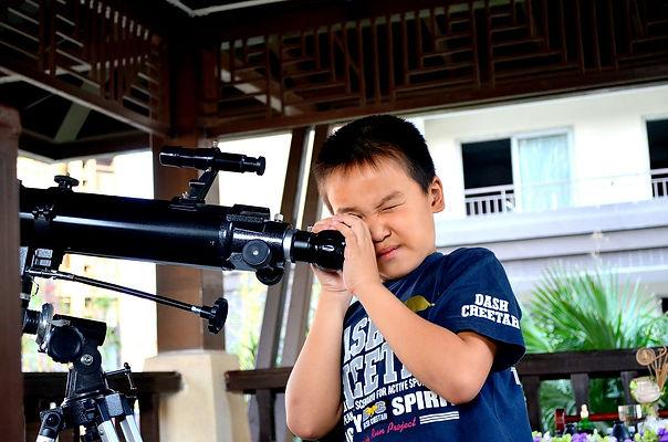 мальчик, телескоп