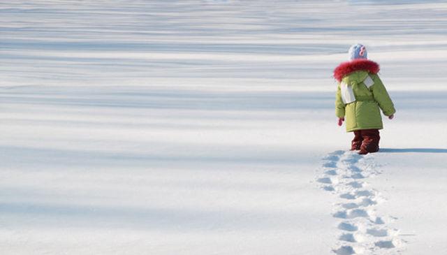 снег, следы, девочка, зима