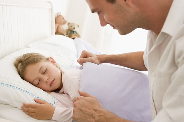папа, дочка, дочь, укладывает спать