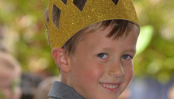 мальчик, корона