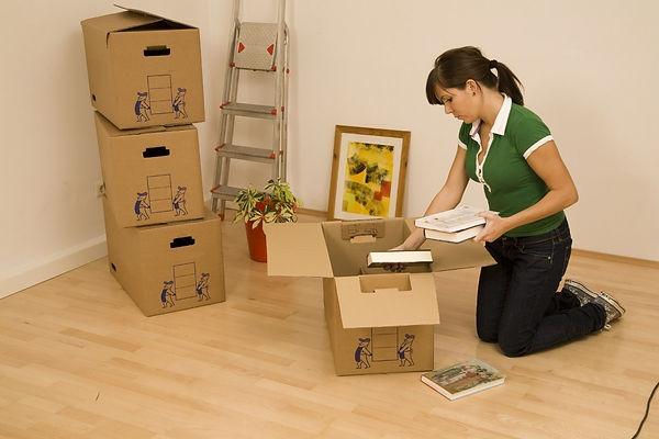 коробки, переезд, девушка
