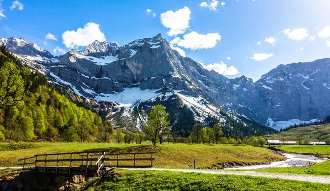 karwendel_mountainsjpg