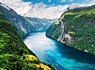 naeroyfjord.jpg
