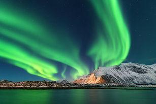 lofoten_northern_lights.jpg