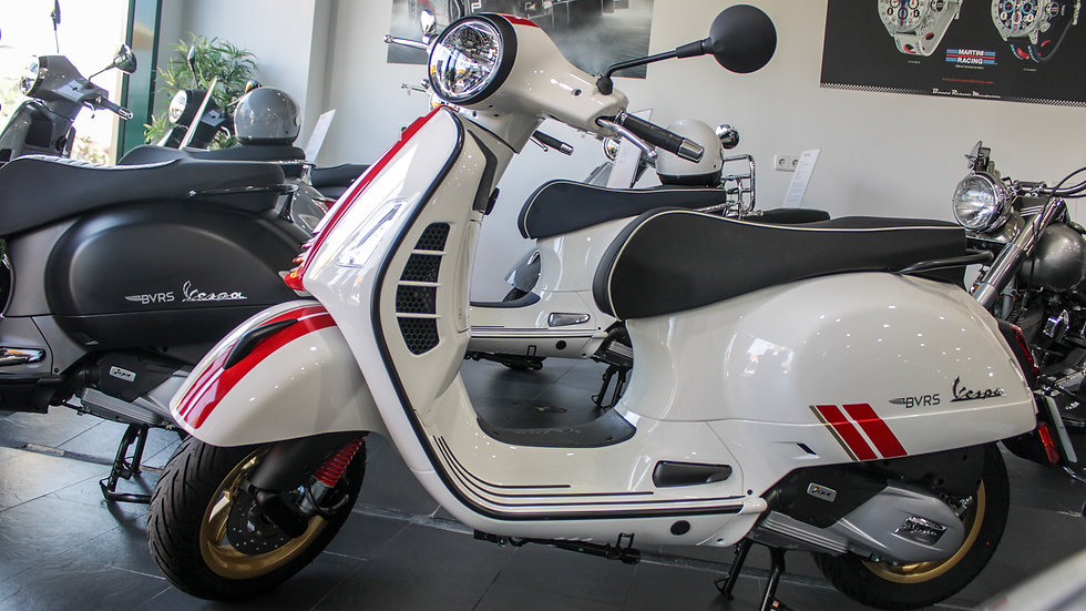 Vespa GTS 125 Racing Sixties