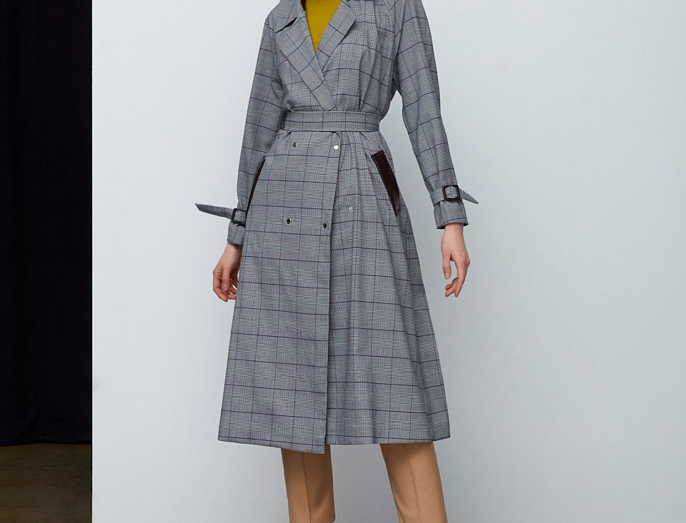 Trench with belt