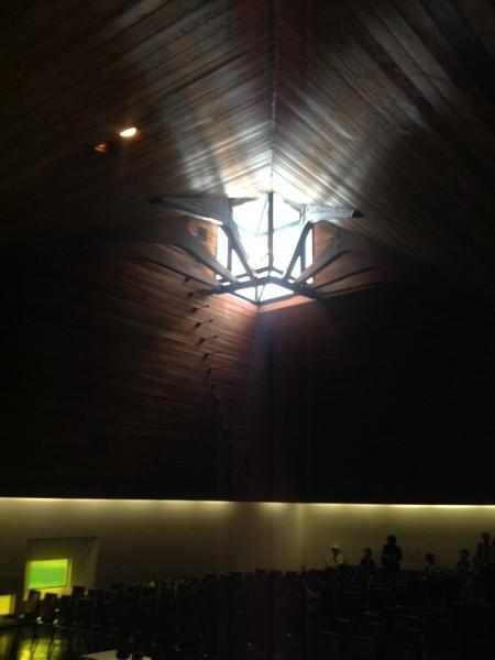 所沢聖地霊園 池原義郎 トップライト写真