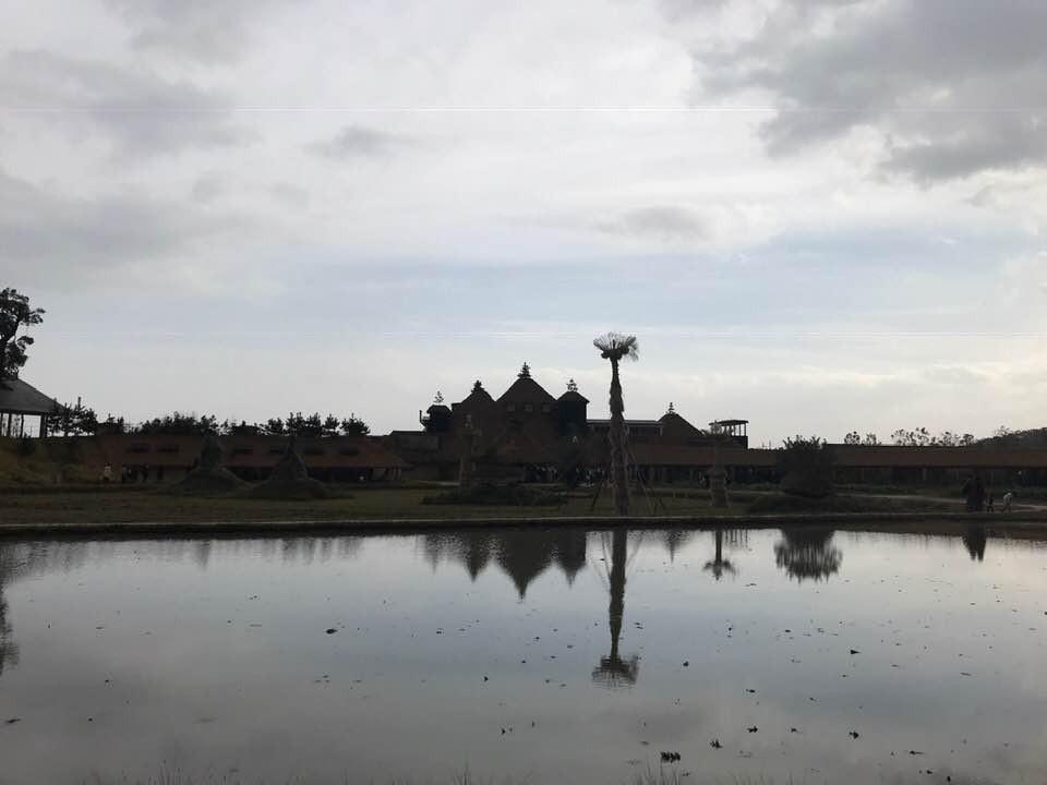 寺院建築のような風景