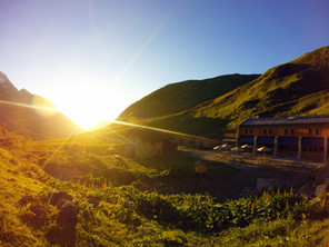 Couché du soleil sur la vallée