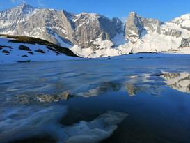 Le lac des Echines en Juin