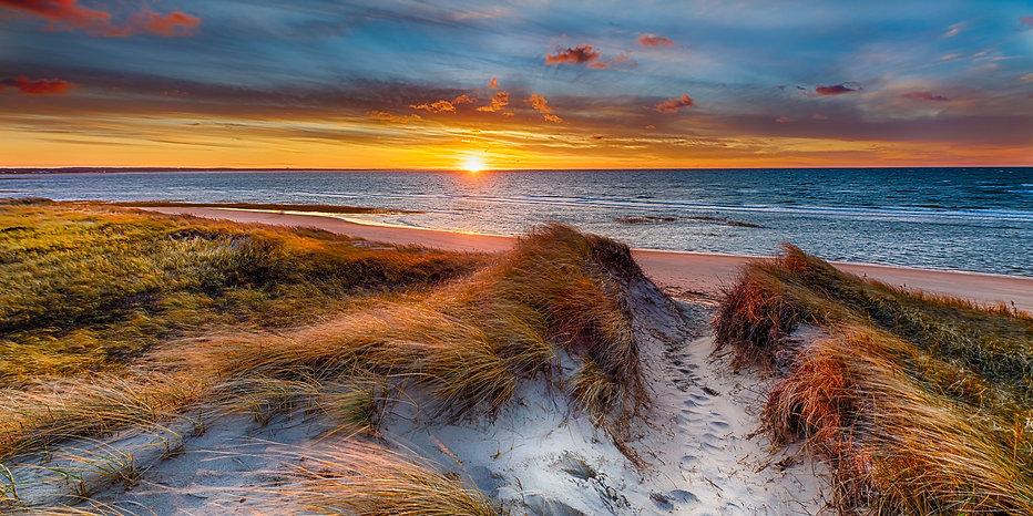 First Encounter Beach - Bruce McCamish.j