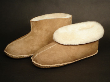 Sundance Sheepskin & Leather Colorado Moccasin