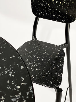 200323-CLOSE UP TABLE CHAISE NOIRE.jpg