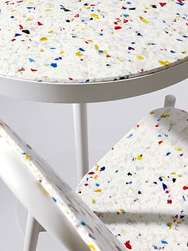 200323-CLOSE UP TABLE CHAISE MULTICOLOR.