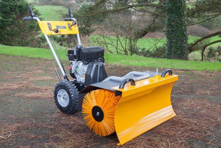 Self-propelled outdoor sweeper SWS 800 G