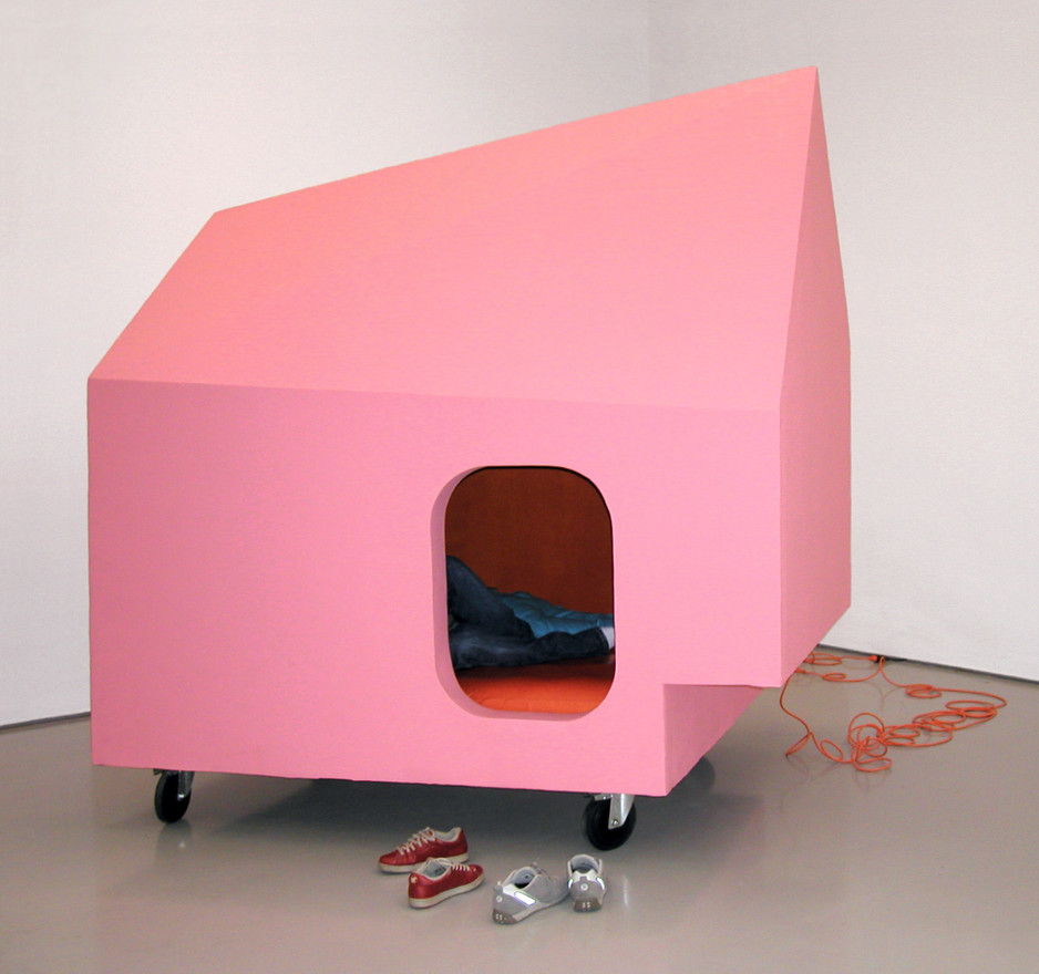 Pink house, 2002