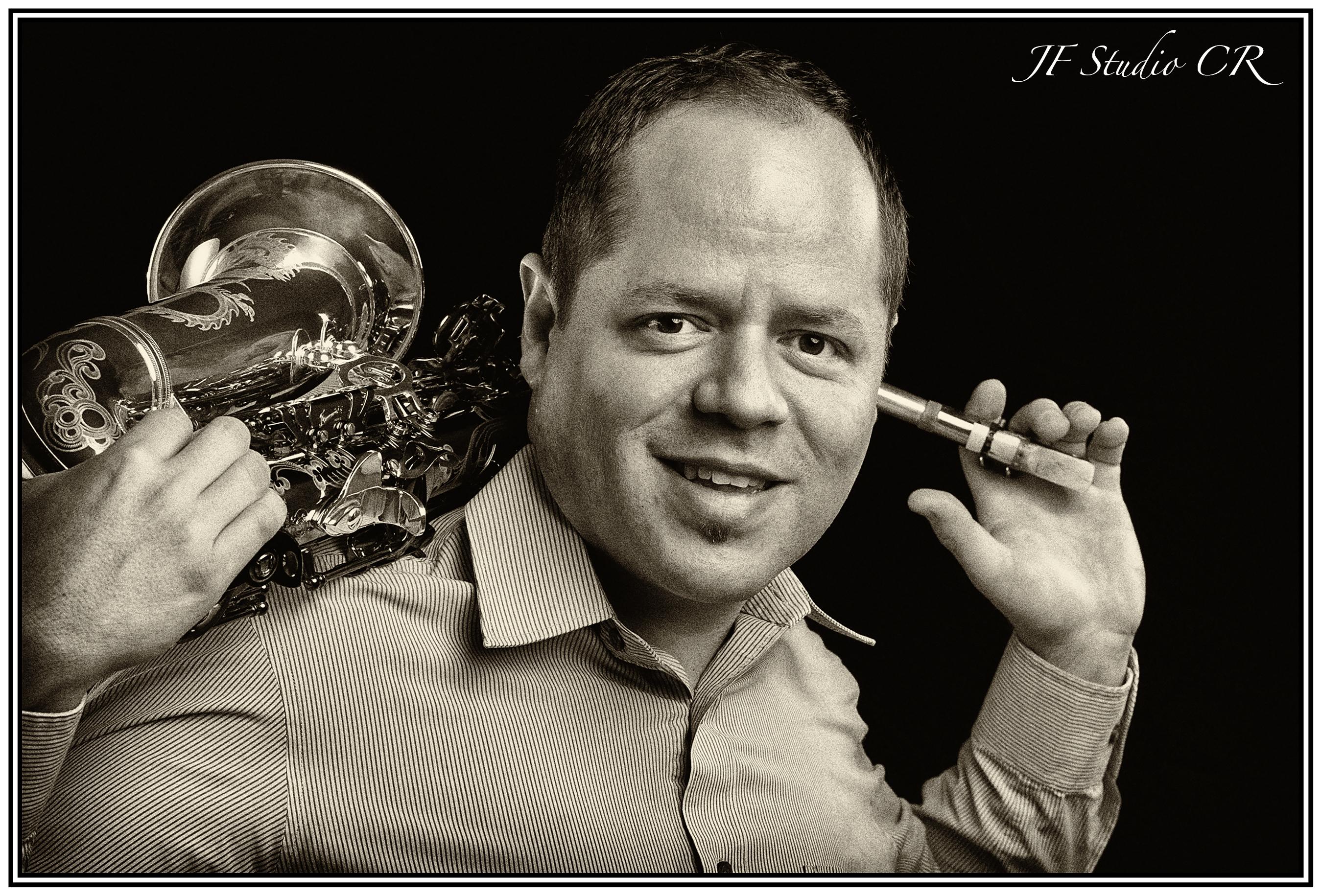 Geovanny Escalante Saxofonista