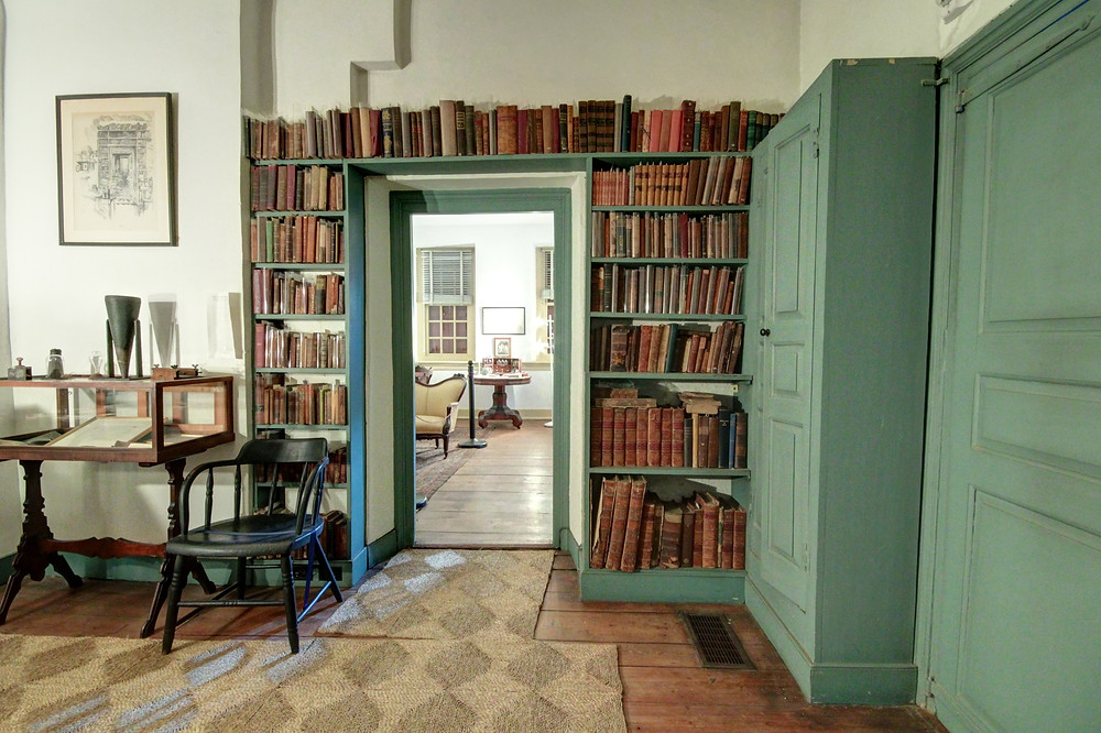 The library at Grumblethorpe