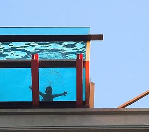 4 erros mais comuns no envidraçamento de piscinas