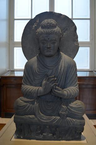 Chinese Buddah with circular back, 2014