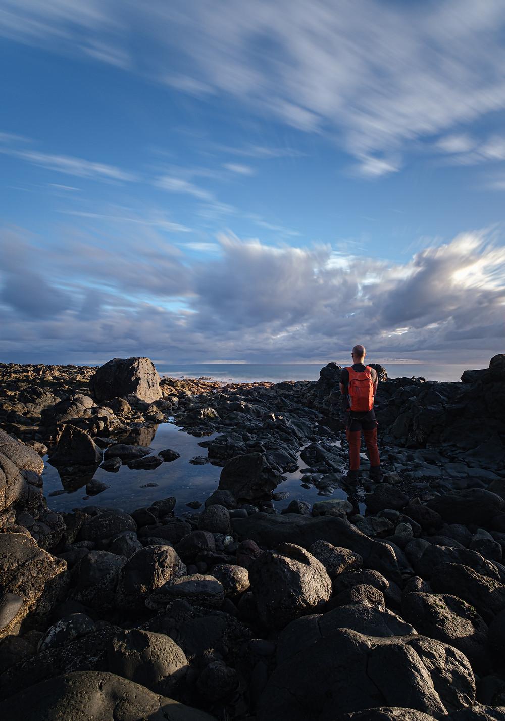 Fotografía de larga exposición diurna en los alrededores de la playa de Vagabundos, Santa María de Guía, litoral de la costa de Gran Canaria. Iván Cárdenes