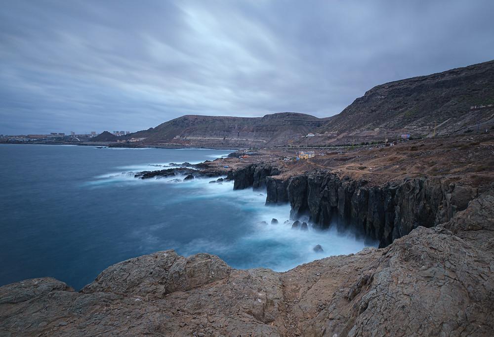 Efecto seda en una fotografía de larga exposición usando filtro ND de 10 pasos. Carretera del norte de Gran Canaria