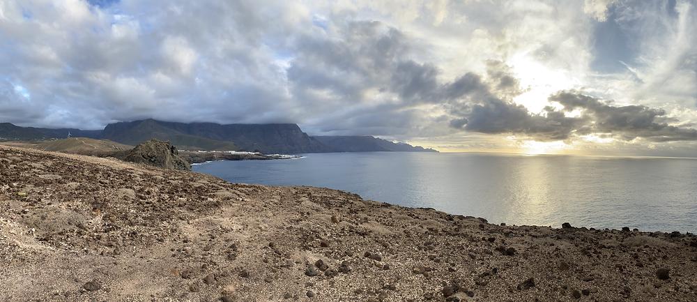 Costa oeste de Gran Canaria desde lo alto de Playa del Juncal