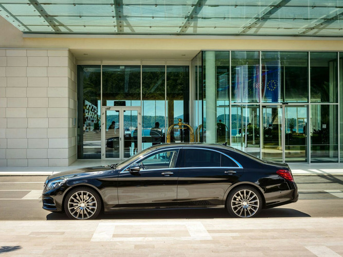 Capital-Concierge-Mercedes-S-Class-W222.