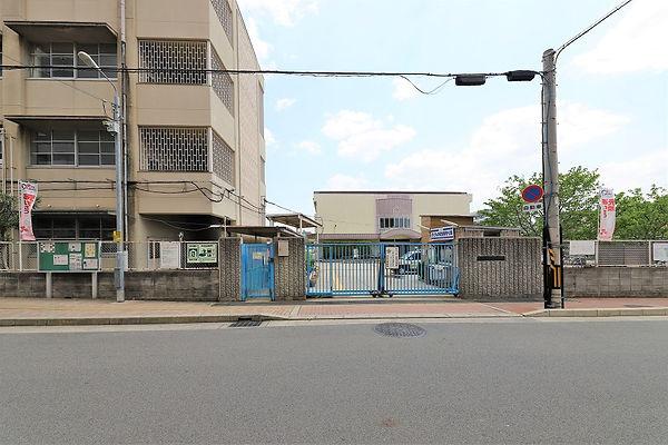 寝屋川中央小学校 (3).jpg