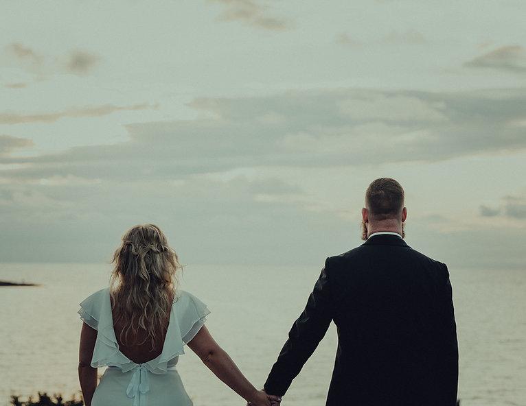Wagman.Brudpar.Bröllopsfoto.Goldenhour.A