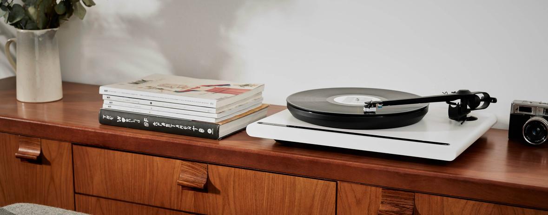 Platine vinyle vintage Attessa de la marque Rega