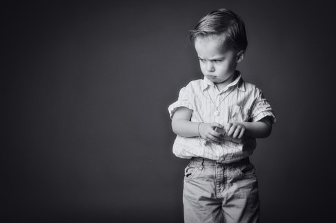 portrait d'enfant boudeur-1.jpg