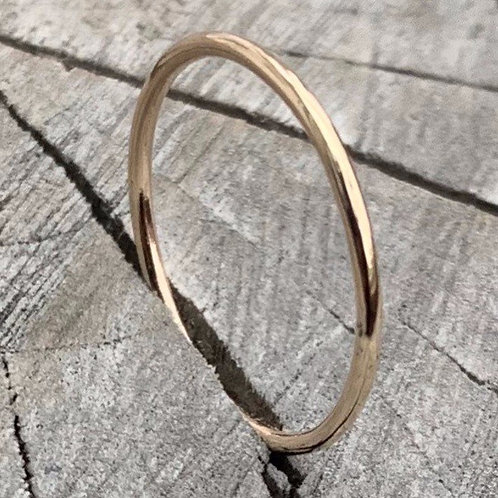 18ct gold band - 1mm