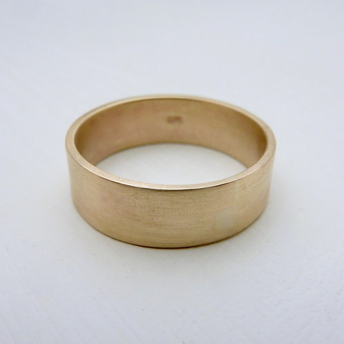 9ct gold wedding band - 6mm