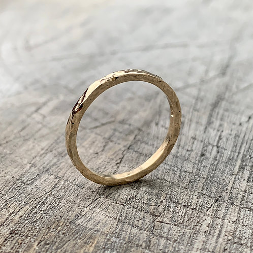 18ct gold band - 1.5mm wide