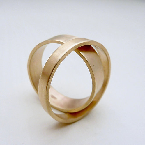 18ct gold wedding band set
