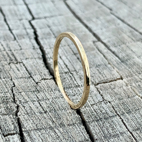 9ct gold ring - 1mm