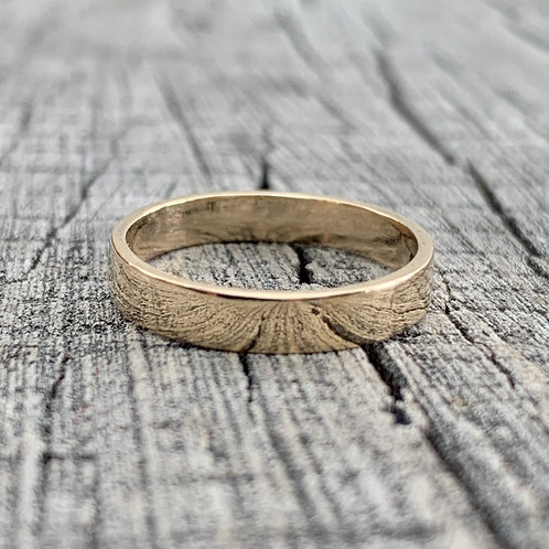 9ct gold wedding band - 4mm