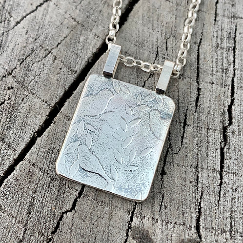 'Chirp chirp 16' Sterling silver necklace
