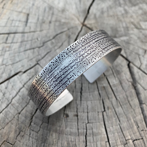 'Field of dreams' Textured bangle