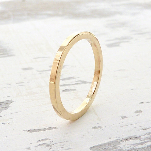 9ct gold band - 1.5mm wide