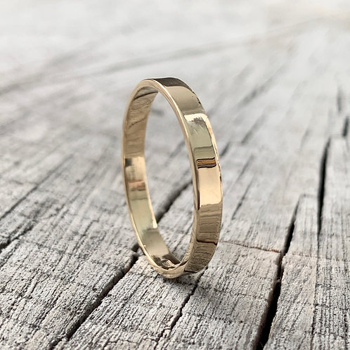 9ct gold band - 3mm wide