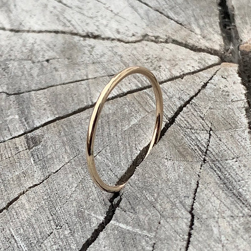 9ct gold band - 1mm