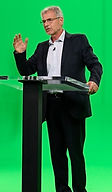 Green Speaking S - 2821.jpg