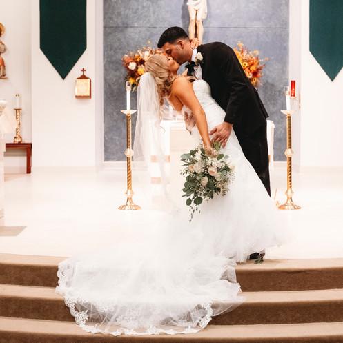 Couples Photo - Engagement Photographer - couples pictures - wedding photographer