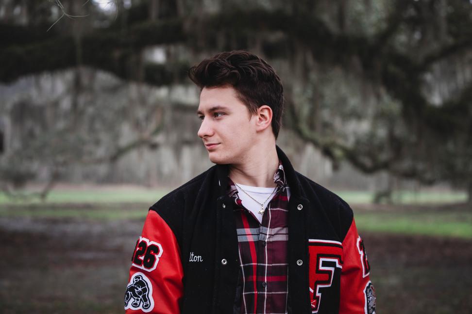 Senior Photographer - senior pictures - high school grad photo