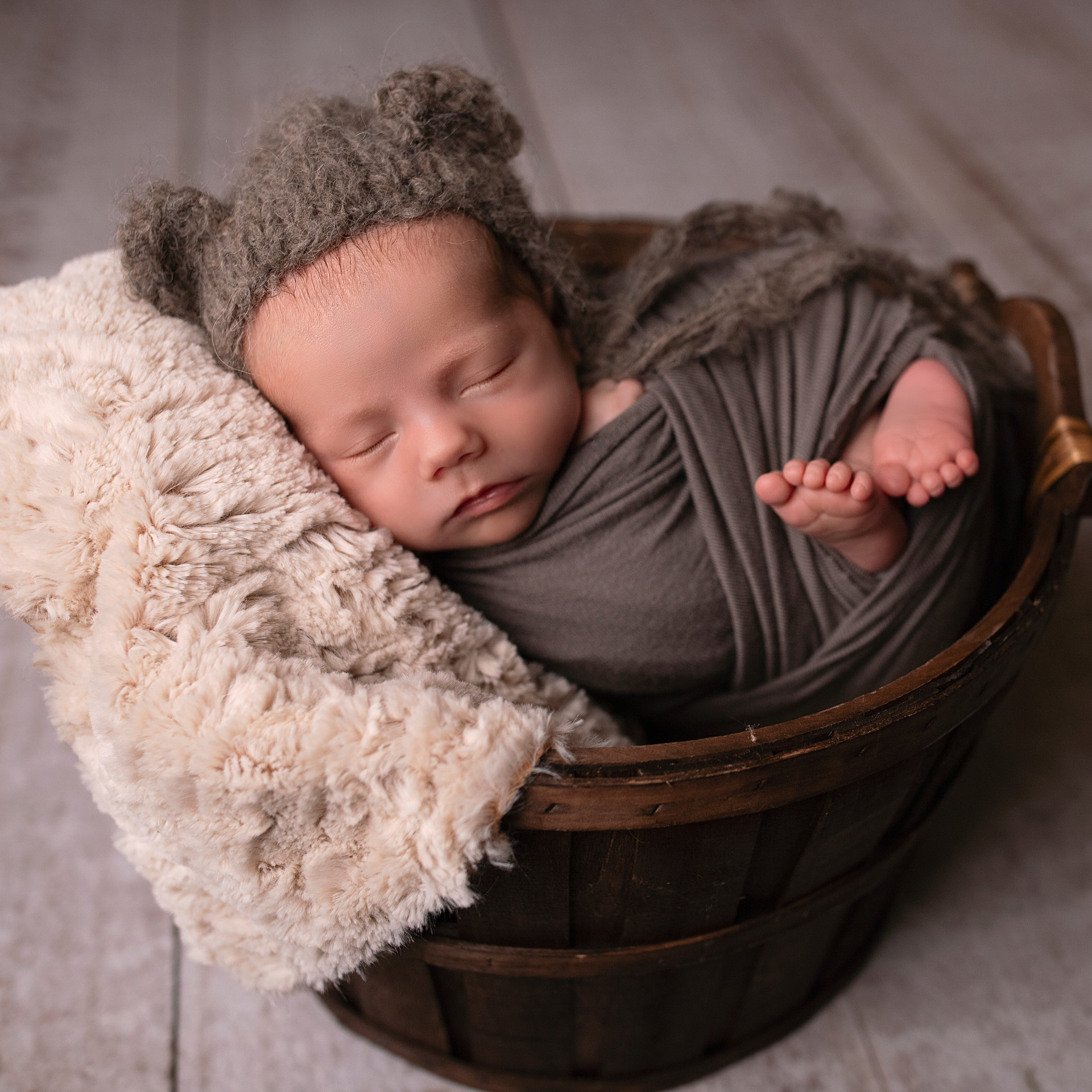 Newborn Session - Baby Photographer - So