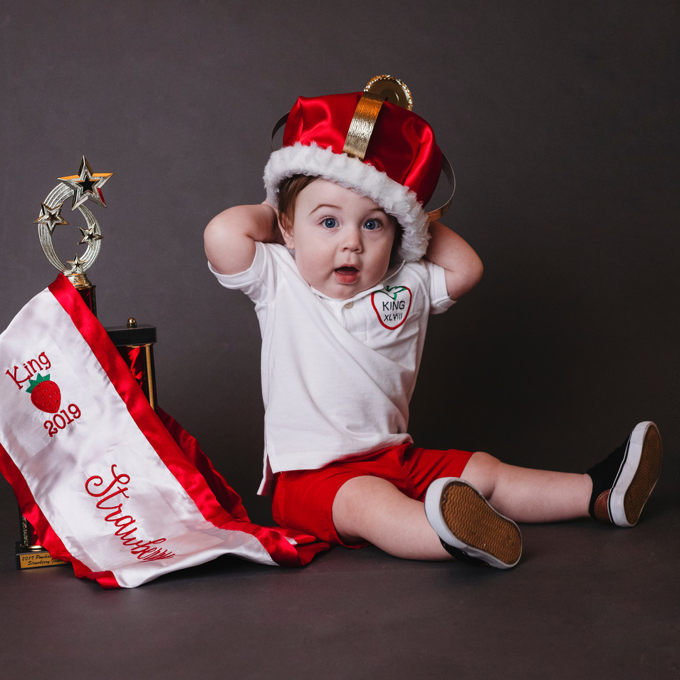 Milestone Photographer - Baby photo shoot - Pageant headshots
